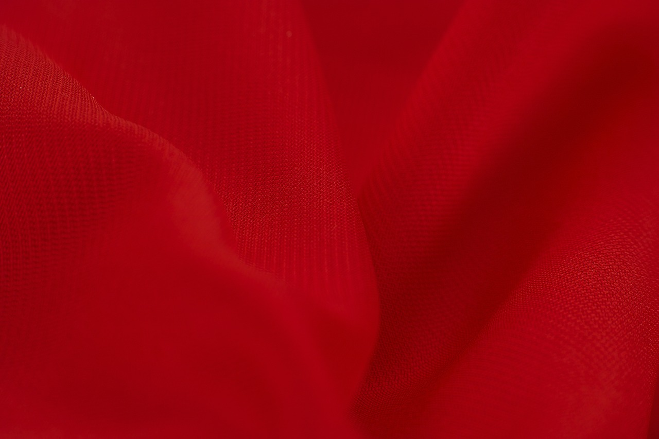 red-3357303_1280